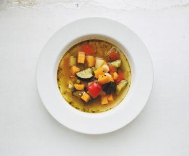 zupa jarzynowa z pesto