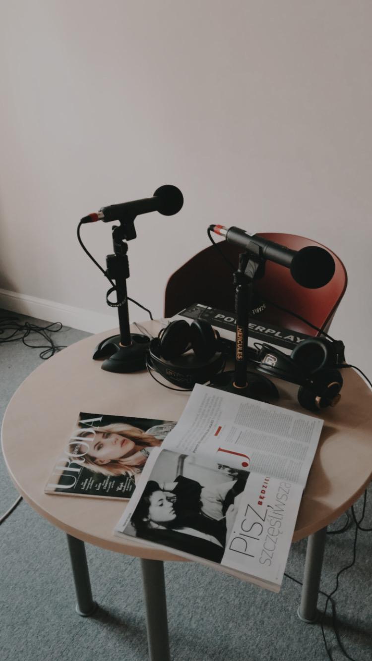 W Urodzie Życia nagrywałyśmy podcasty- o osiędbaniu i o pisaniu terapeutycznym. O tym drugim znajdziedzie w UŻ mój tekst - magazyn powinien być jeszcze w kioskach. Zachęcam do lektury.